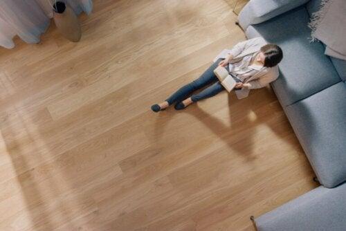 Pavimento in legno a casa: vantaggi e svantaggi