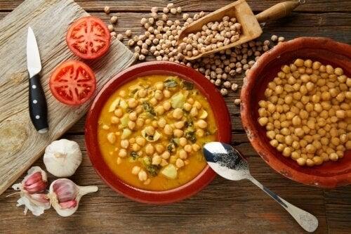 Zuppa di ceci con spinaci: due ricette