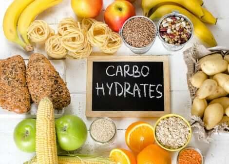 Dieta per il diabete di tipo 2 e cibi ricchi di carboidrati.