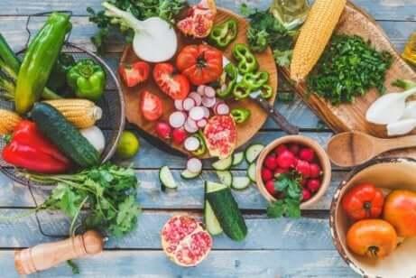 Frutta e verdura fresche.