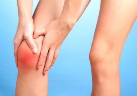 Gonfiore al ginocchio.