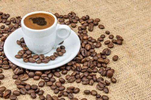 Polifenoli del caffè: proprietà contro il diabete