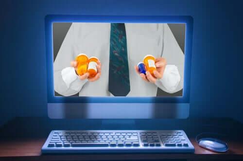 Acquistare farmaci su internet.