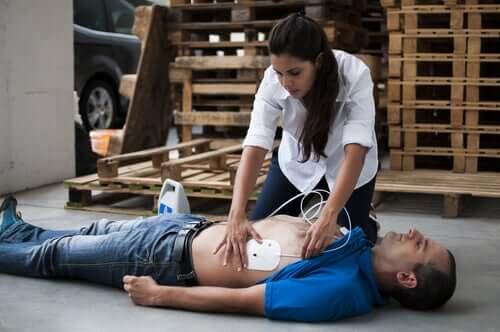 Arresto cardiorespiratorio: come intervenire?