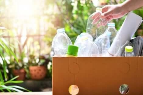 Riciclare la plastica.