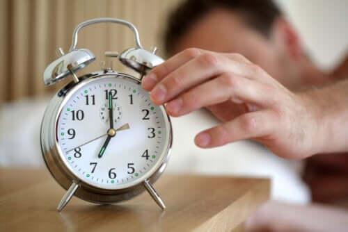 Quanto bisogna dormire secondo la scienza?