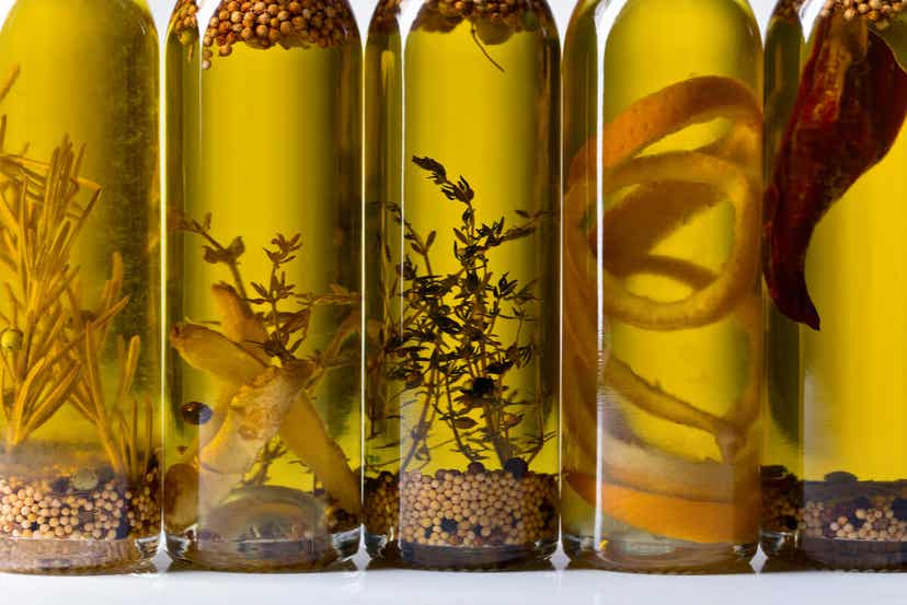 Tipi di olio di oliva aromatizzati.