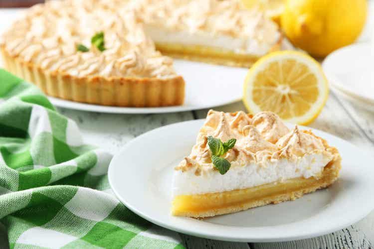 Fetta di lemon pie senza zucchero.