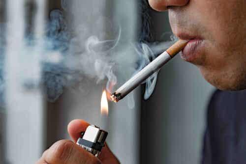 Fumo sigaretta.