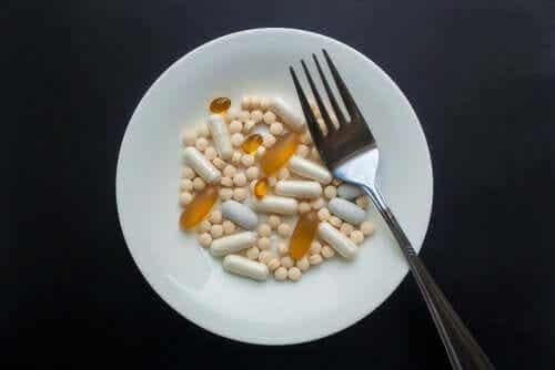 Farmaci lontano dai pasti e vicino: perché?