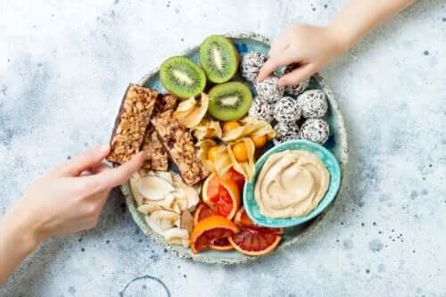 Dieta paleolitica per i bambini: va bene?