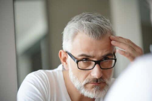 Lo stress fa venire i capelli bianchi?