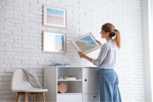 Appendere i quadri senza rovinare la parete