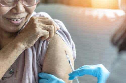 Vaccino contro la polmonite negli anziani