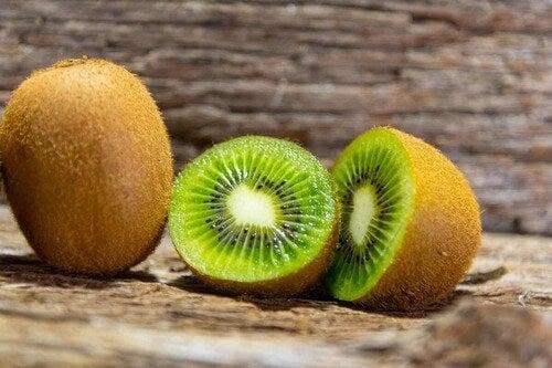 Kiwi e benefici nutrizionali.