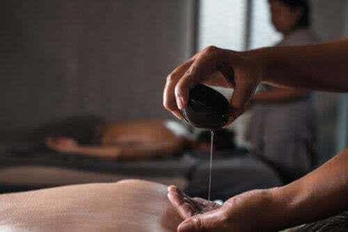 Olio di Mahanarayan: usi e benefici