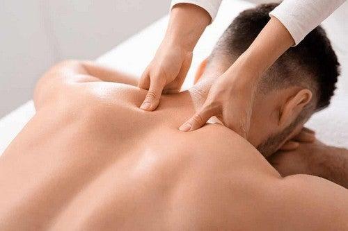 Massaggio profondo del tessuto.