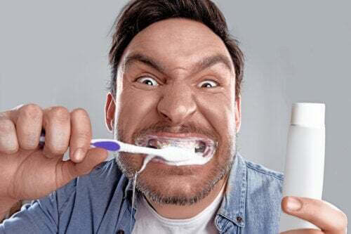 Blancoressia, l'ossessione per i denti bianchi