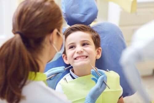 Malattie dei denti nel bambino: cause e trattamenti