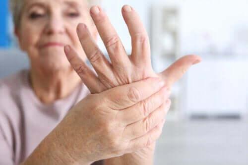 Artrite infettiva acuta: cause e sintomatologia