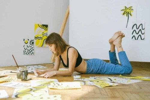 Praticare il distacco emotivo per imparare a stare bene da soli.