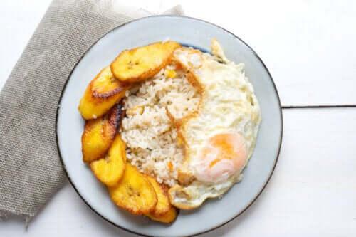 Riso alla cubana: ricetta deliziosa e facile da preparare