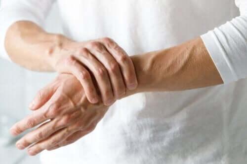 Sindrome del tunnel carpale e artrite: differenze