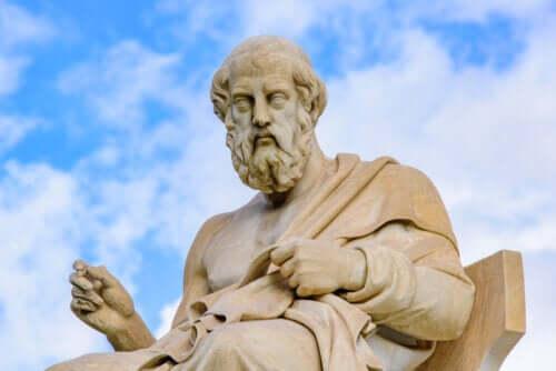 Platone e Aristotele: principali differenze