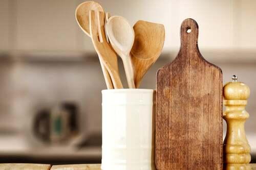 Utensili da cucina in legno: lavarli e disinfettarli
