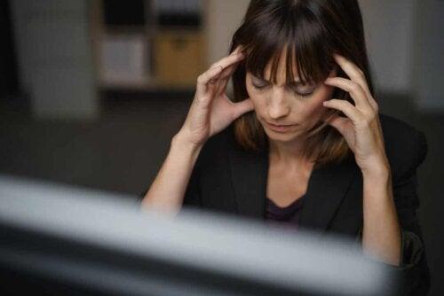 Donna stressata.