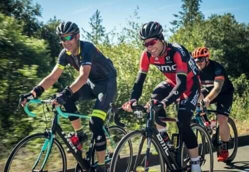 Ciclismo: cosa mangiare prima, durante e dopo