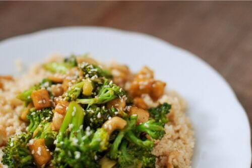Insalata di couscous e broccoli: una ricetta leggera e sana