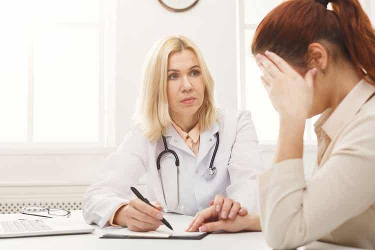 Donna dalla ginecologa.