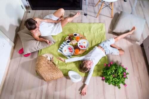 Fare un picnic a casa: idee e consigli