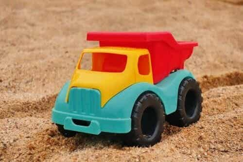 Terapia del gioco della sabbia: chi lo utilizza e perché?