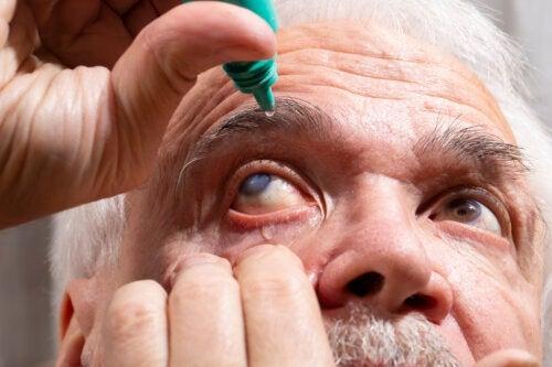 Pilocarpina oftalmica: che cos'è e quando è consigliata?