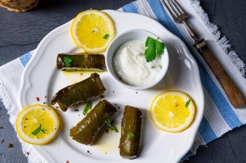 Dolmades di riso: una ricetta greca sana e gustosa