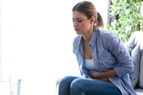 4 rimedi naturali contro il mal di stomaco